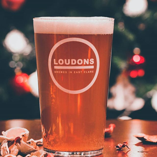 It's the most wonderful time for a beer. . . . . . . #christmas #beertime #beer #christmasdrinks #irishcraftbeer #craft #craftbeer #christmastree #dublin #clare #ireland #bar #sillyseason #irishbar #santa