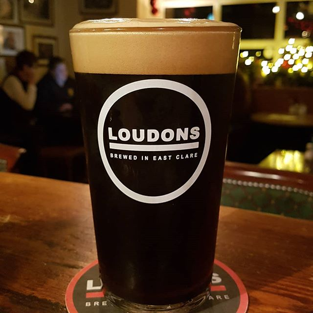 Loudons Christmas stout tasting beautiful in Peppers Pub in feakle!