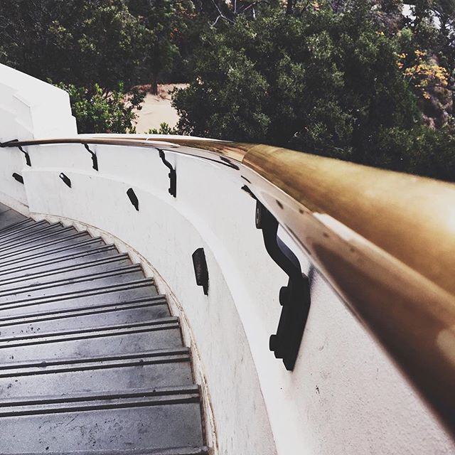 Exploring all the tourist haunts that I've avoided for almost a year now, like the Griffith Observatory made famous in the movie La La Land. It's refreshing to play tourist for the day. ⠀⠀⠀⠀⠀⠀⠀⠀⠀ Is there an attraction in your town that you've never visited? ⠀⠀⠀⠀⠀⠀⠀⠀⠀ ⠀⠀⠀⠀⠀⠀⠀⠀⠀ ⠀⠀⠀⠀⠀⠀⠀⠀⠀ ⠀⠀⠀⠀⠀⠀⠀⠀⠀ #travel #travelblog #livelikealocal #pagestopassport #pagestopassporttravels #traveling #wander #wanderlust #explore #exploring #solotravel #travelbug #girlslovetravel #glt #gltlove #travelphotography #darlingtravels #atalanta #travelgram #instatravel #passionpassport #traveldeeper #abmtravelbug #traveldames #girlswhoexplore #theeverygirltravels #lalaland #griffithpark #griffithobservatory #losangeles
