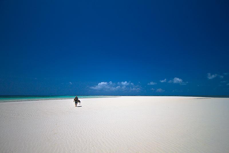 Manta quiet beach.jpg