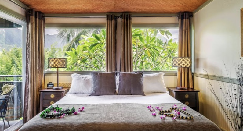 HOTELS - These hotels or something similar:Union City:Crown PlazaJune 15-18:Two double beds, nonsmokingConfirmation #:60087255June 28- July 3:Two double beds, nonsmokingConfirmation#: 60113868Kihei (Maui)Mana Kai Maui ResortStandard room, 1 King, no balcony, nonsmokingConfirmation#:7340866842964Kaneohe (Oahu)Paradise Bay Resort1BR Suite, Mountain view, Kitchenette1 King bed, nonsmokingConfirmation#:7340842447793