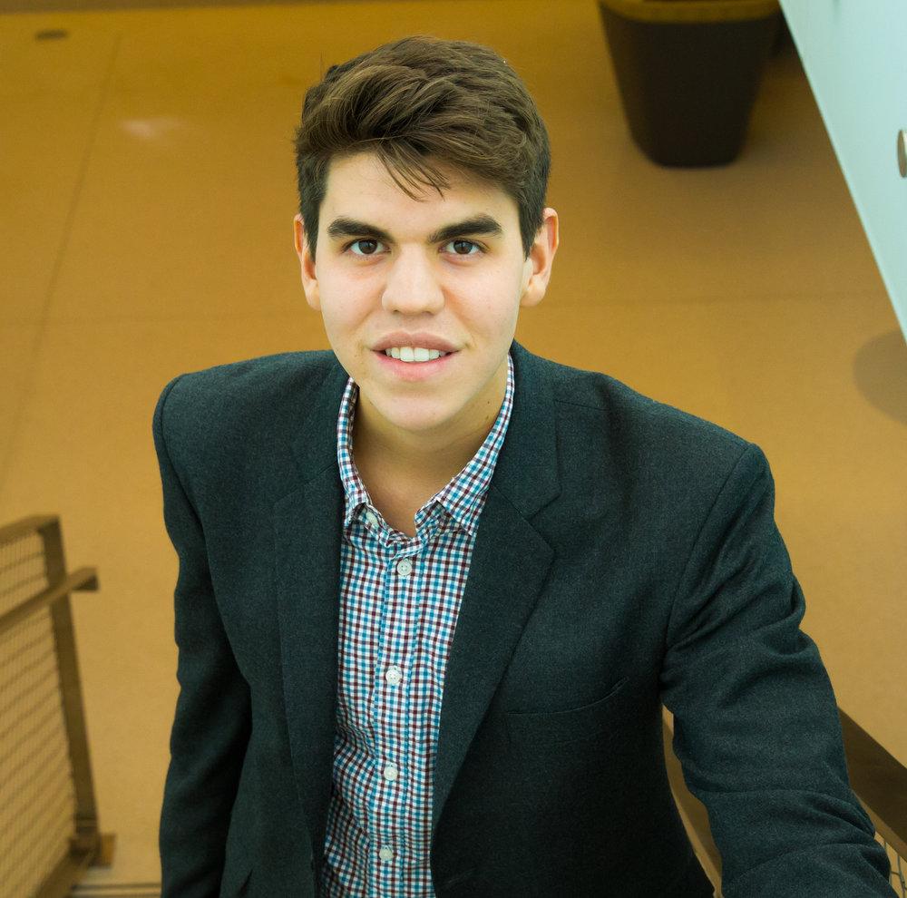 Camilo Toro, BA   Cofundador y Director de educacion, investigacion, y desarollo   camilo@lanzandolideres.org