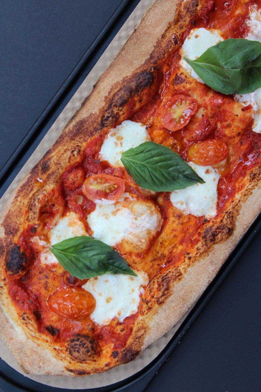 & Pizza