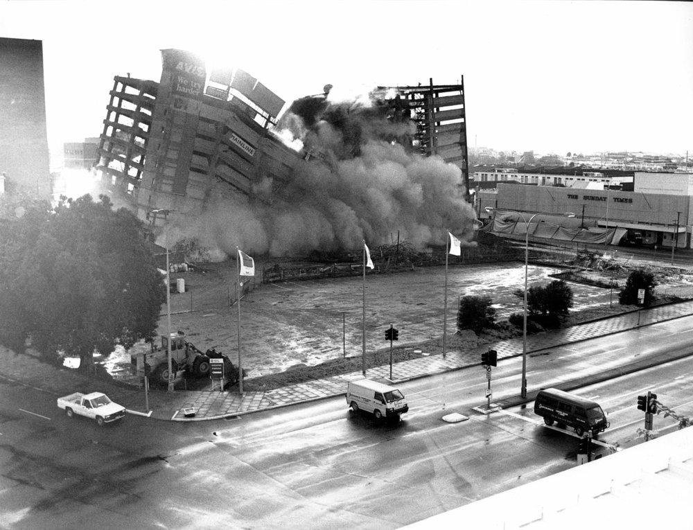 Demolition_mainline_Implosion_Perth.jpg