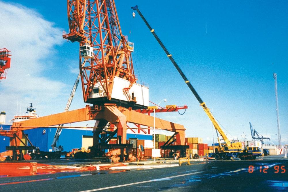 Crane on Wharf.jpg