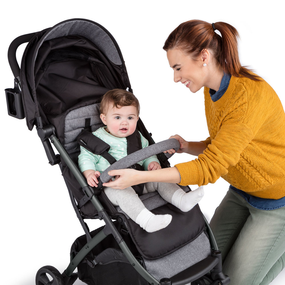 Summer Infant 3Dpac CS+ Compact Fold Stroller_Parent baby view01_32723_IMG-5_HERO-FEATURE4_3000x3000.jpg