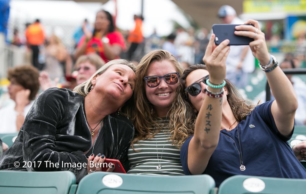 Fans-057.jpg