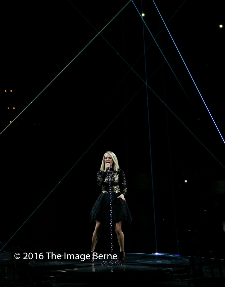 Carrie Underwood-027.jpg