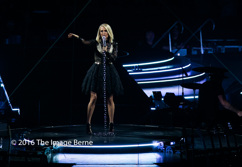 Carrie Underwood-030.jpg