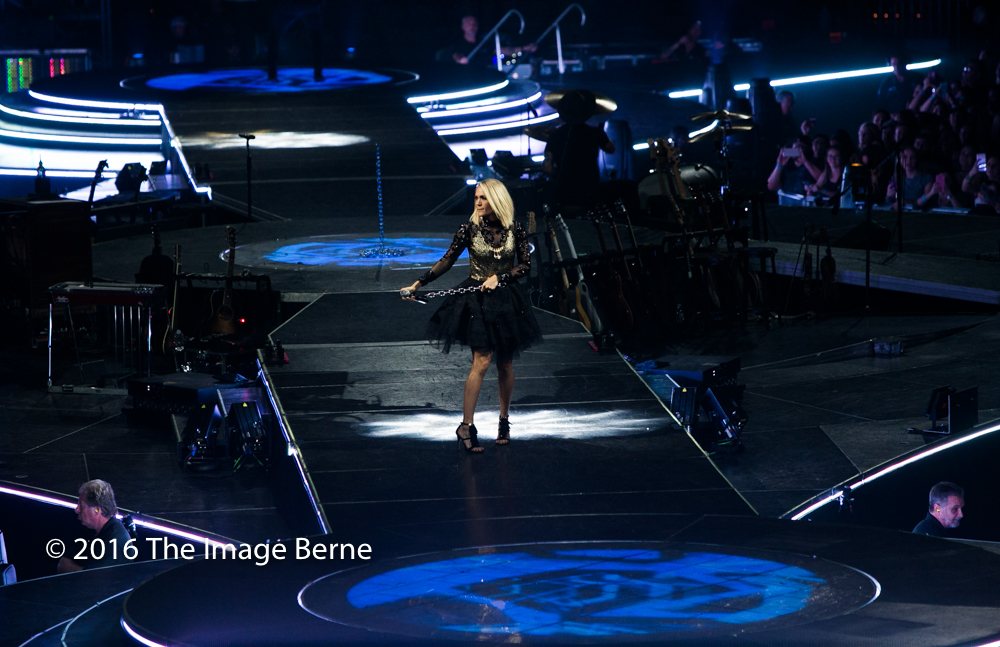 Carrie Underwood-037.jpg