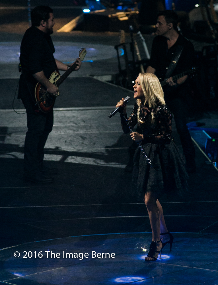Carrie Underwood-043.jpg