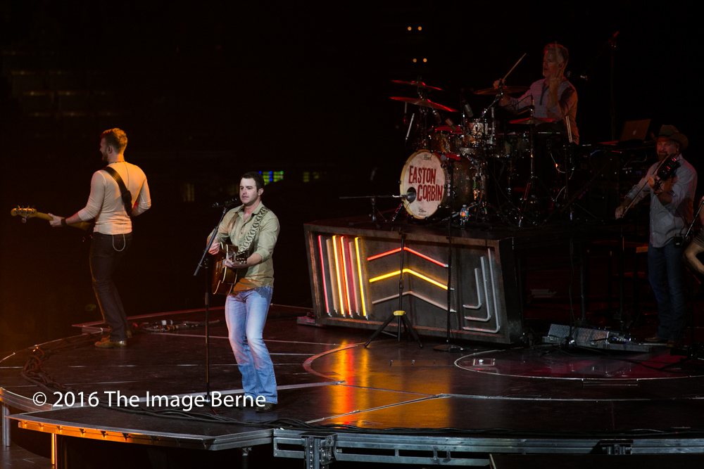 Easton Corbin-023.jpg
