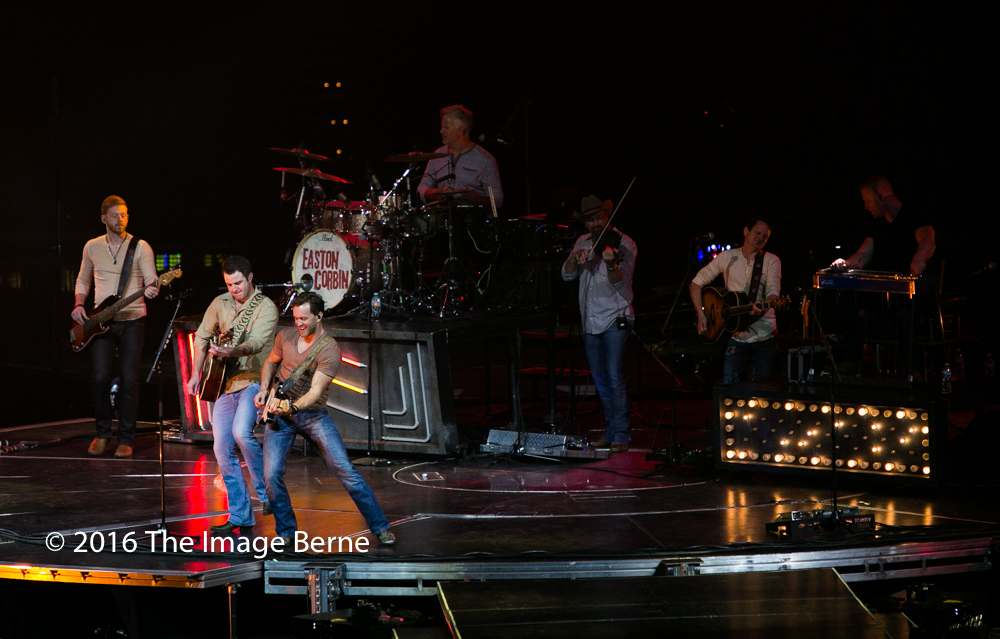 Easton Corbin-022.jpg