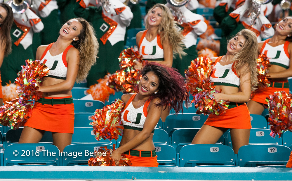 Cheerleaders-047.jpg