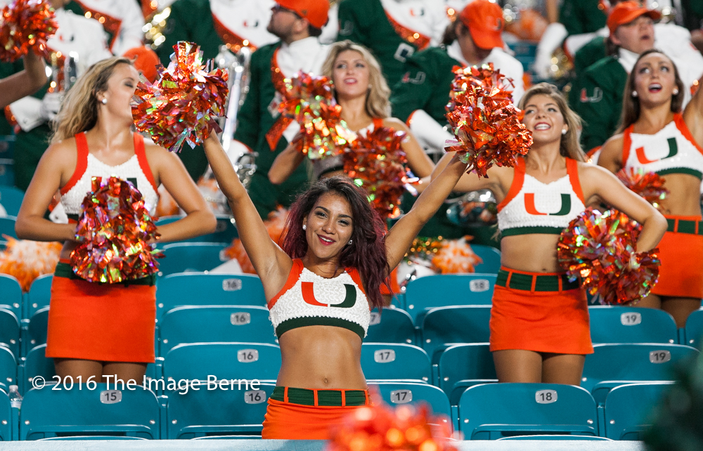 Cheerleaders-048.jpg