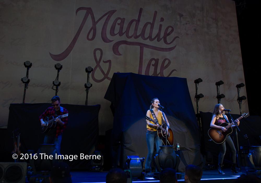 Maddie and Tae-010.jpg