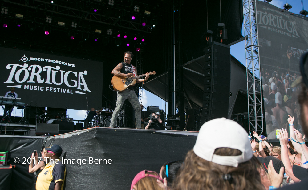 Michael Franti & Spearhead-136.jpg