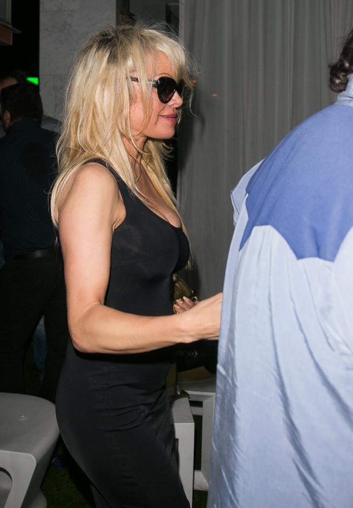 Pamela Anderson-056.jpg