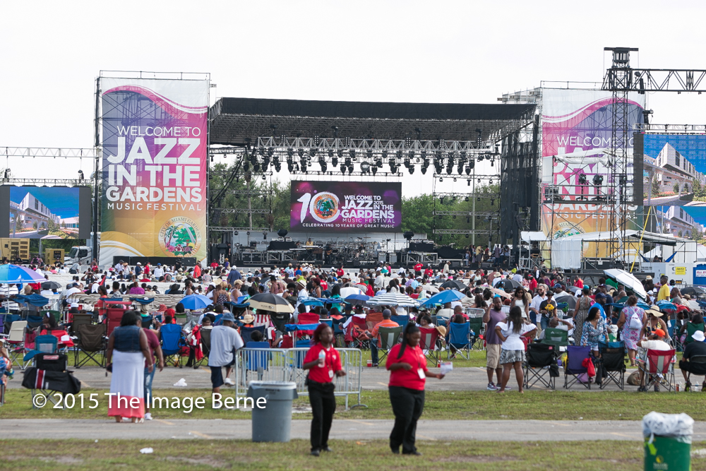 2015   10th Annual Jazz In The Gardens   Day 2 @ The Sun Life Stadium