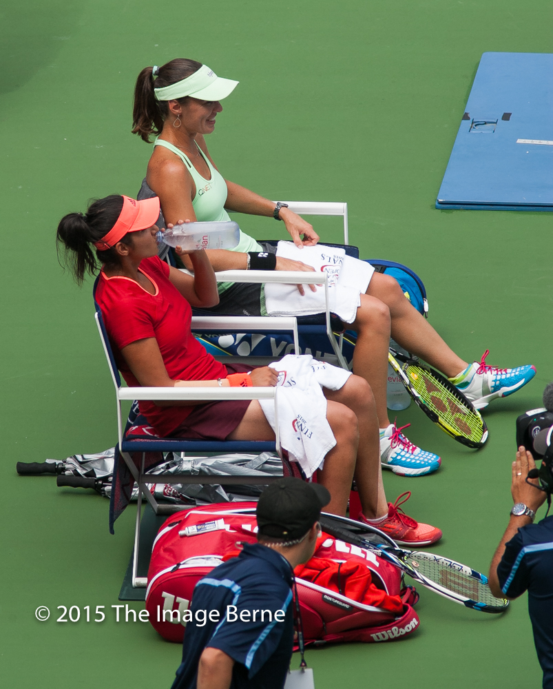 Sania Mirza, Martina Hingis-011.jpg