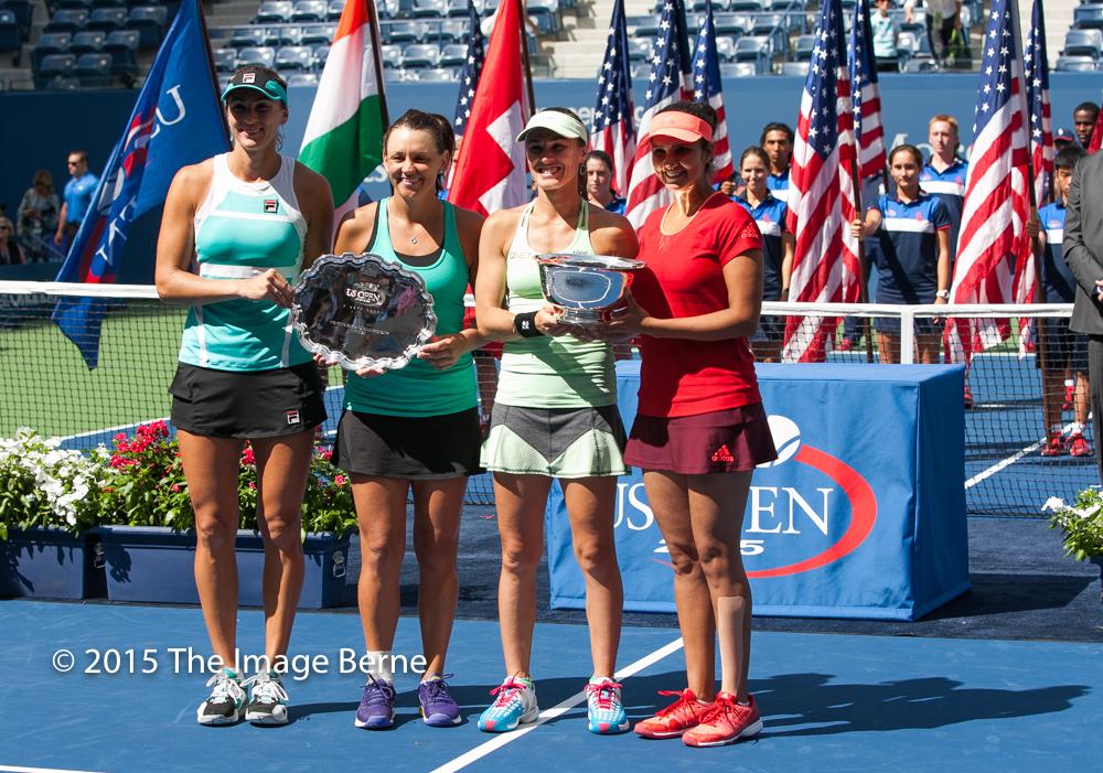 Sania Mirza, Martina Hingis, Casey Dellacqua, Yaroslava Shvedova-043.jpg