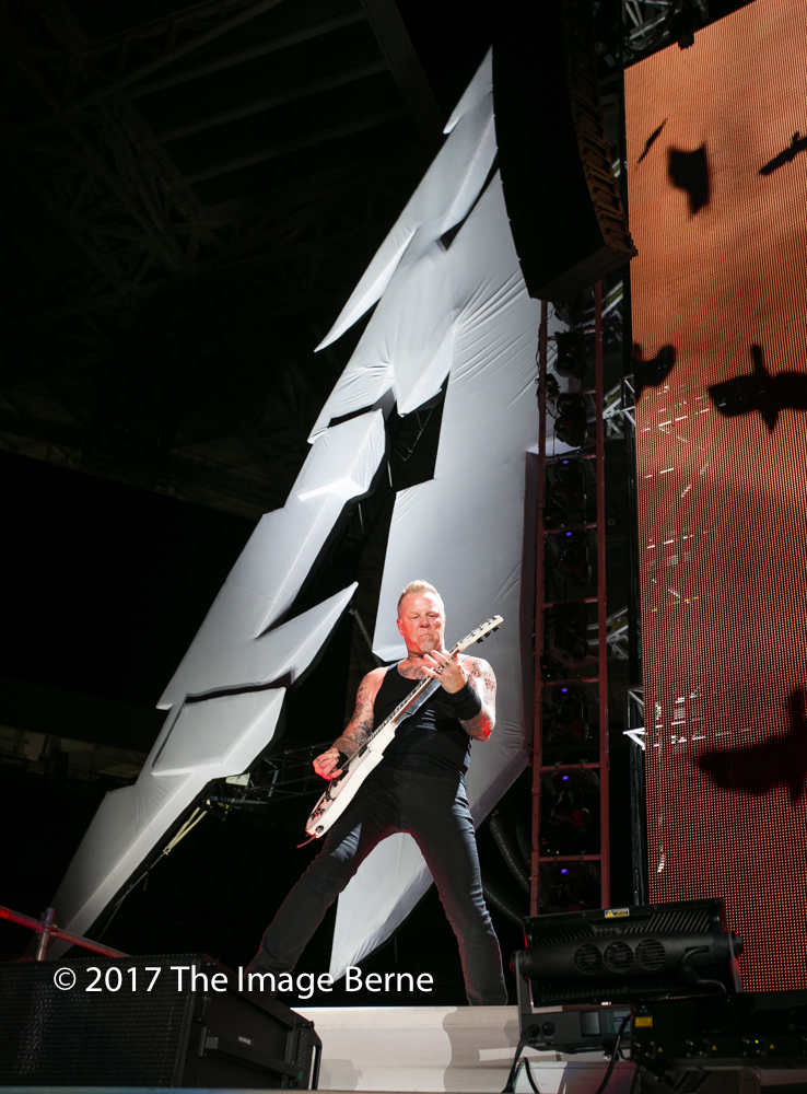 James Hetfield-075.jpg