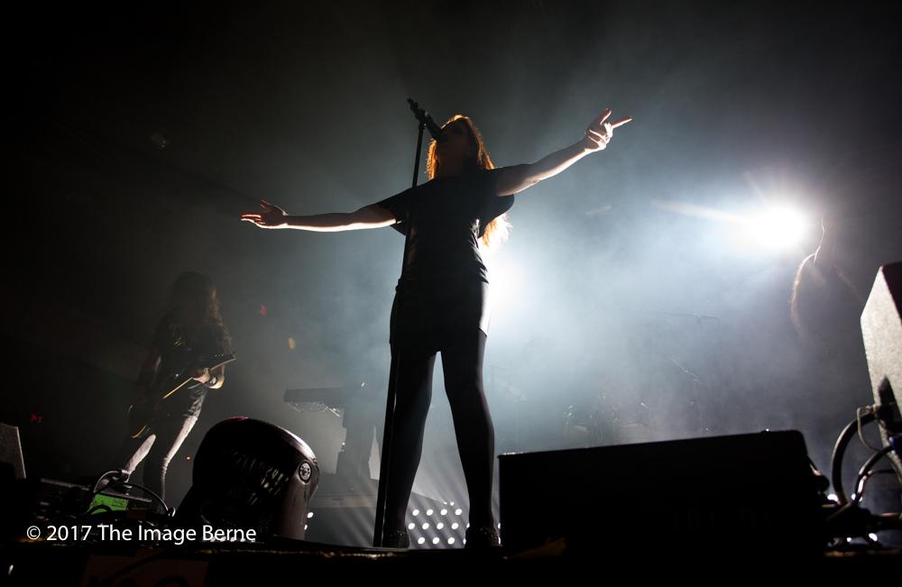 Simone Simons-015.jpg
