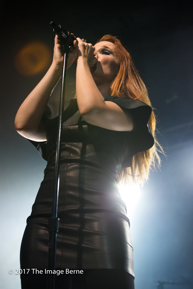 Simone Simons-020.jpg