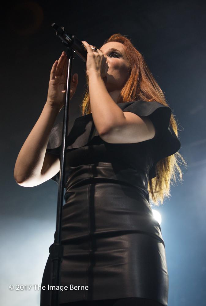 Simone Simons-021.jpg