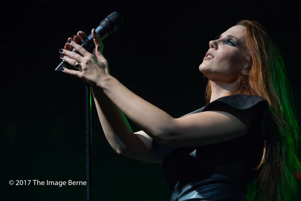 Simone Simons-047.jpg