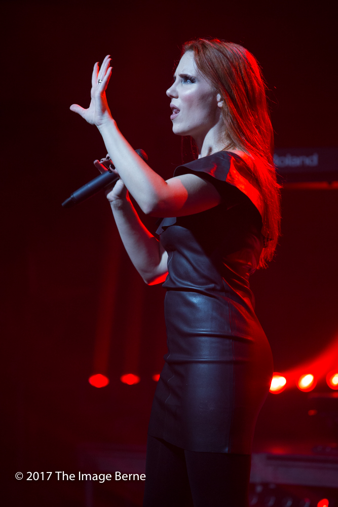 Simone Simons-062.jpg