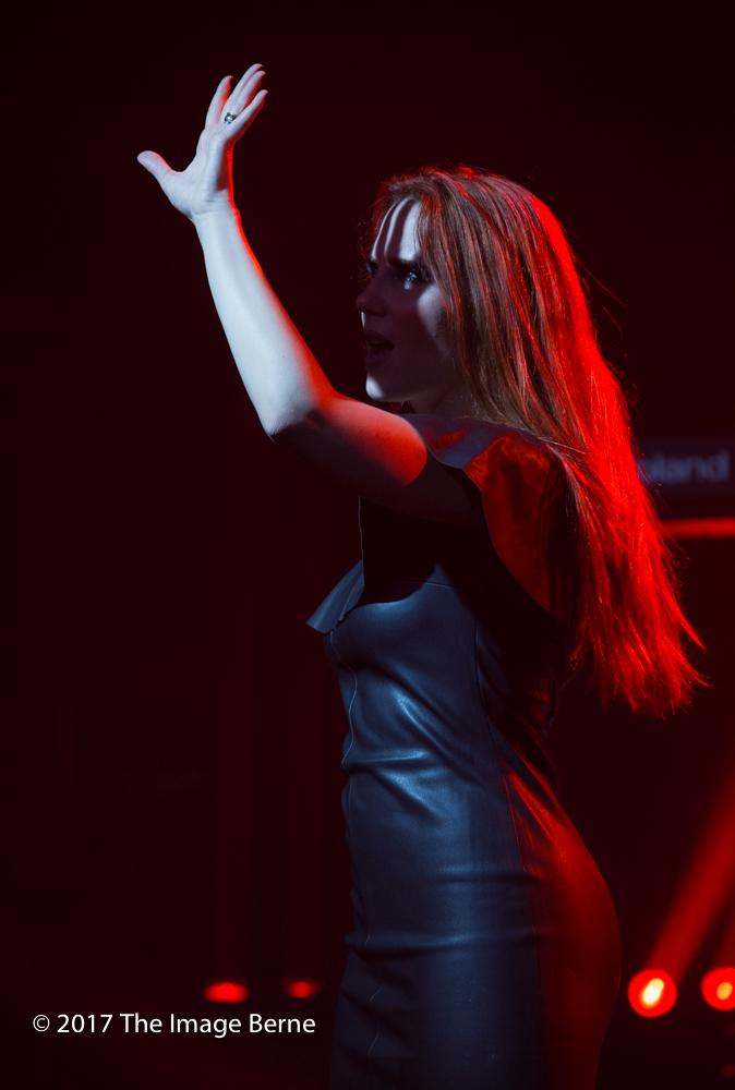 Simone Simons-063.jpg