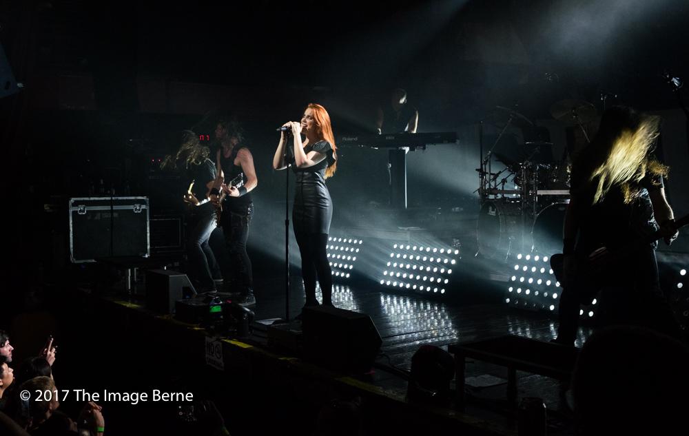Simone Simons-070.jpg