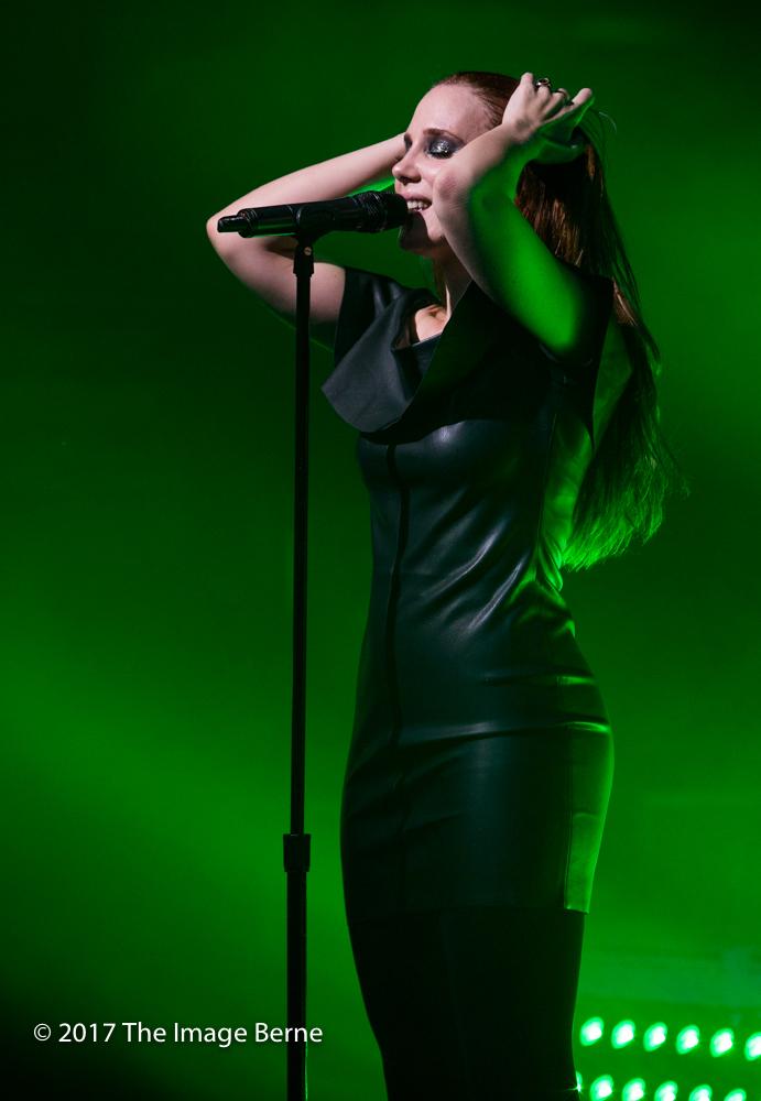 Simone Simons-083.jpg