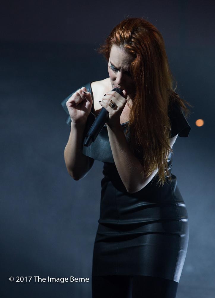 Simone Simons-097.jpg