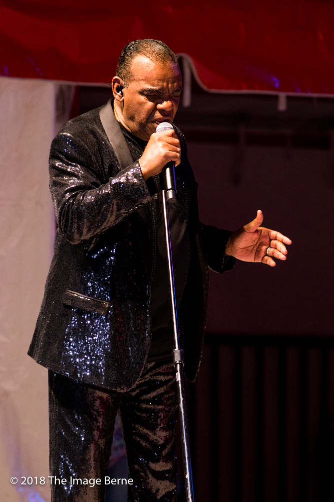 Ronald Isley-070.jpg