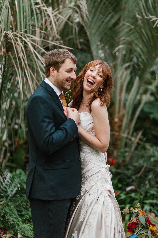 wedding photographer Sheffield Botanical Gardens