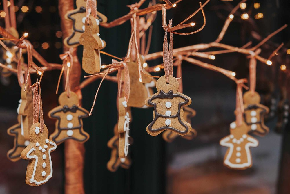 Christmas wedding favours gingerbread men