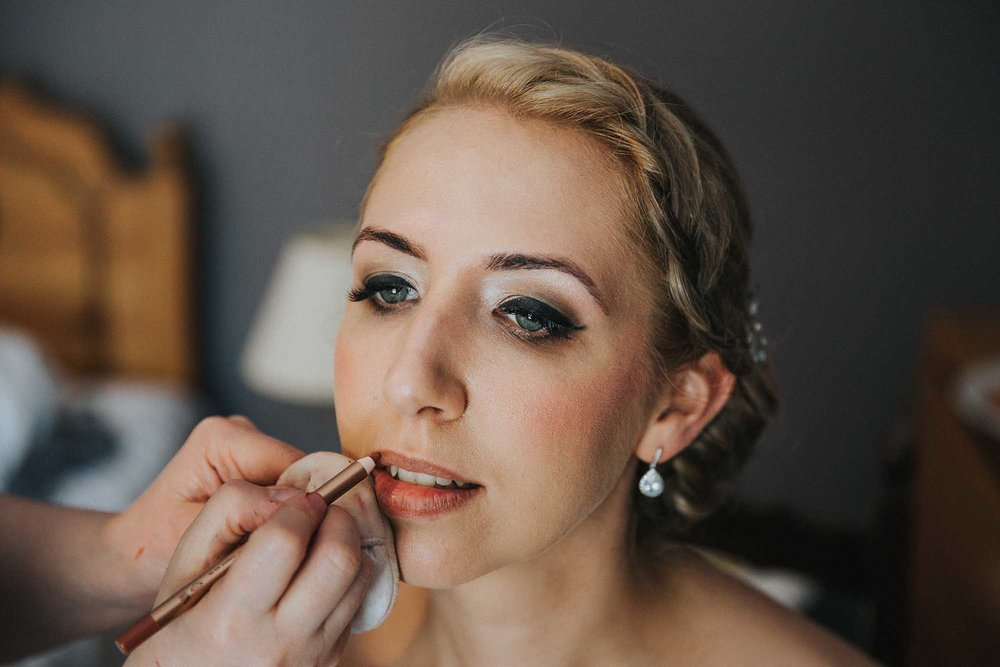 Too glam to give a damn wedding makeup