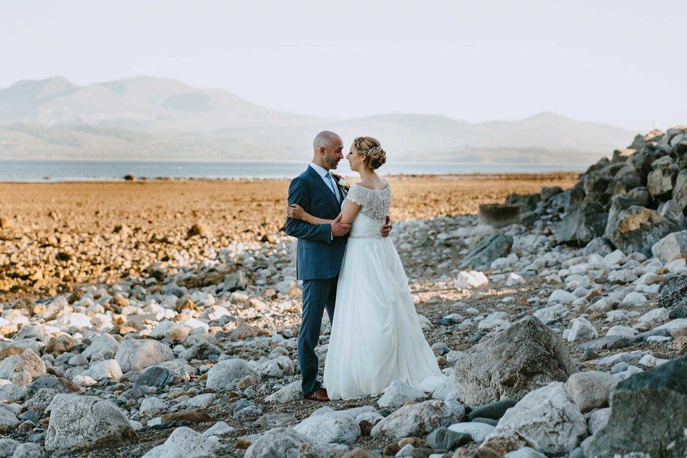 tros yr afon wedding