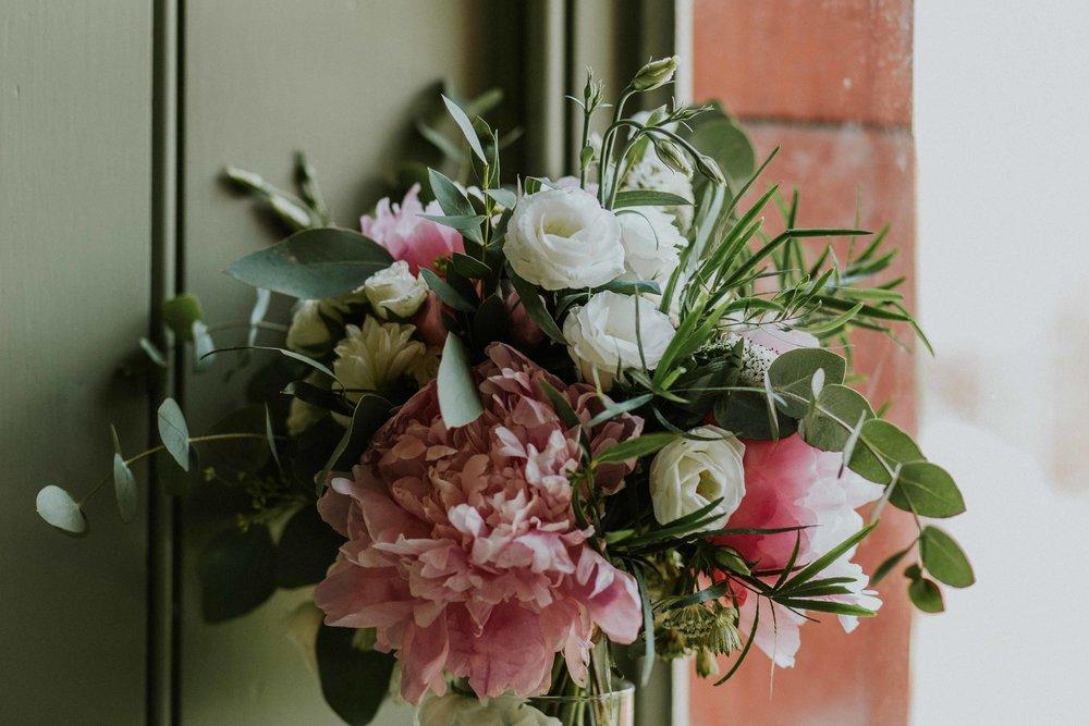 Hannah Elizabeth wedding florist