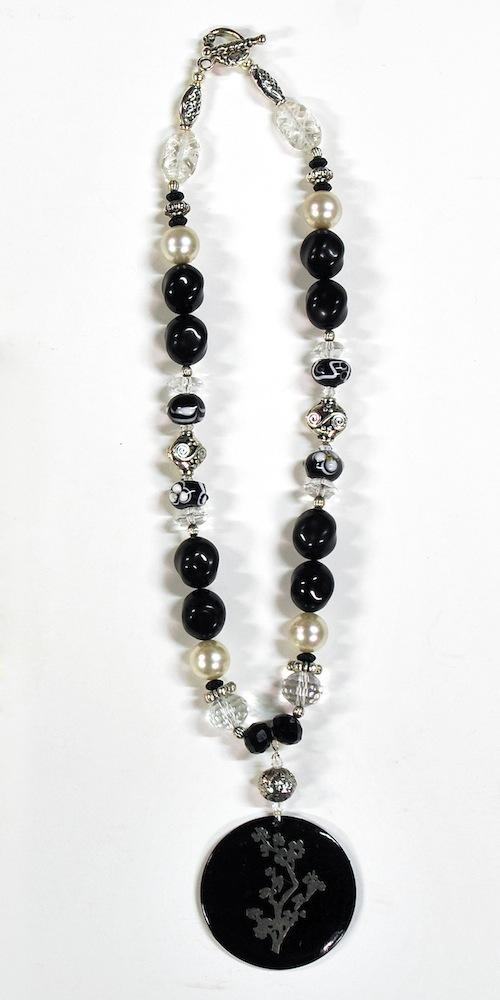 black_floral_pendant_necklace_no_tag.jpg