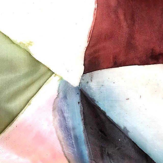 Progress shot. #art #artanddesign #anthropologie #dscolor #abmlifeiscolorful #apartmenttherapy #artwork #inthestudio #SOdomino #carveouttimeforart #interiordecor #artcollective #picoftheday #abstractart #creativeprocess #decor #inspiration #modernart #abstractobsession #creativelife #artanddesign #artdiaries #modernhomedecor #textile #lonnymag #mexicocity #mexico #inthestudio #studioscenes
