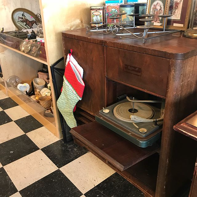 💥Renovation Sale💥  We are doing a little renovating. 🛠 Come stop by and see what items we have marked down! Lots of items for people who like to #redo, #repurpose or #recycle. Making room for new items!! #NOLAReDeuxThrift #RenovationSale  NOLA Re-Deux Thrift 1091 Avenue H, Suite AA Westwego, LA 70094