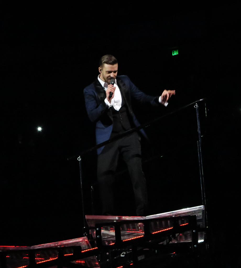 Justin Timberlake Bridgestone Arena ©Ginkaville