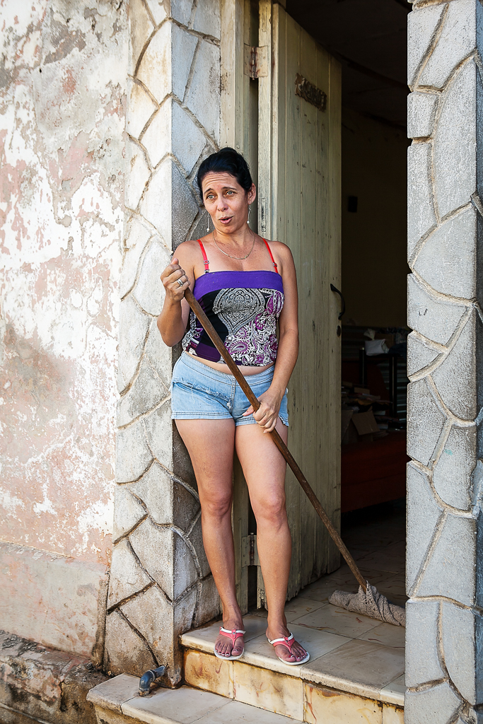 Cuban Street Photography | Travel to Cuba | How to Get the Best Photos on the Street in Cuba via @ginkaville + ginkaville.com