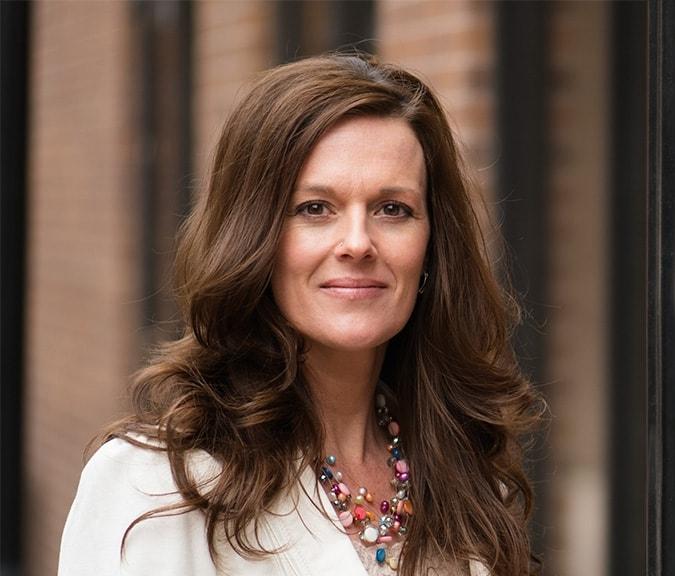 Jennifer-Tracy-Portrait-official.jpg