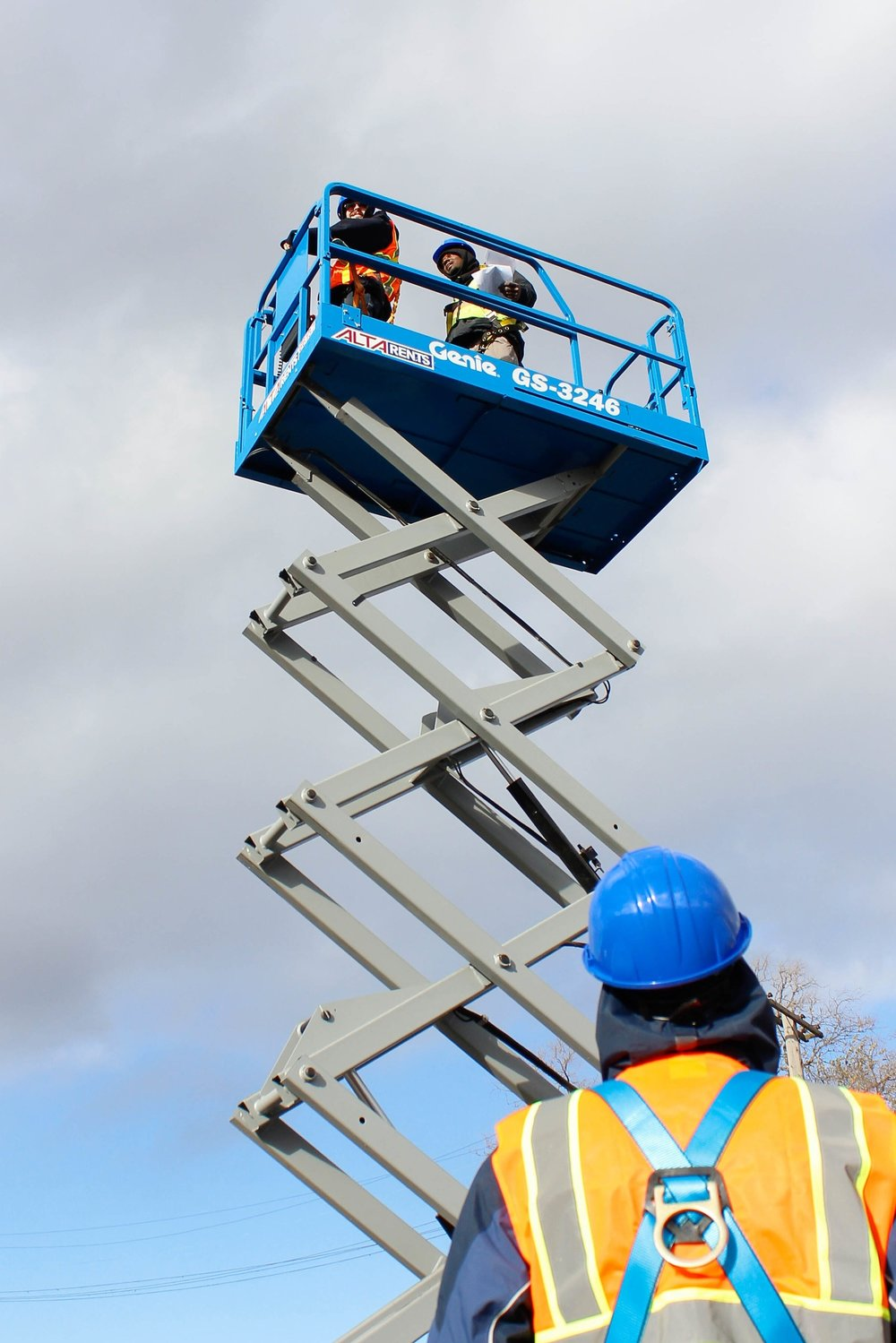 blight-removal-scissor-lift-detroit-training-center.jpg