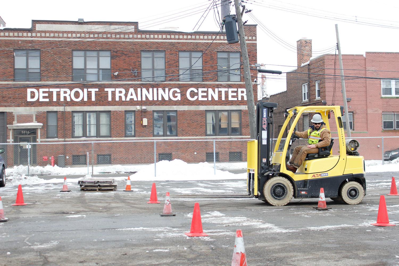 Forklift Hi Lo Detroit Training Center