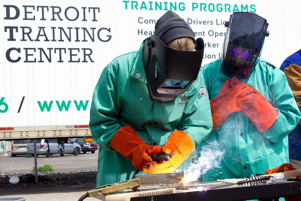 welding-detroit-construction-class-workshop-training